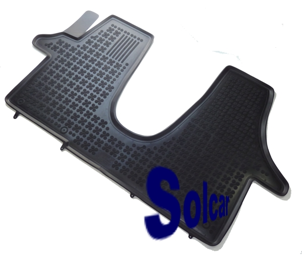 Auto_tapis_caout_51dae2b1a2409.jpg